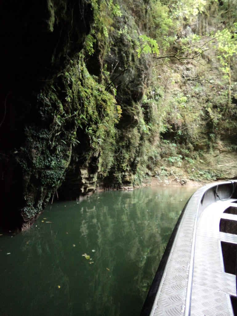 2 Day Waitomo Caves, Hobbiton Movie Set and Rotorua Tour from Auckland photo 28