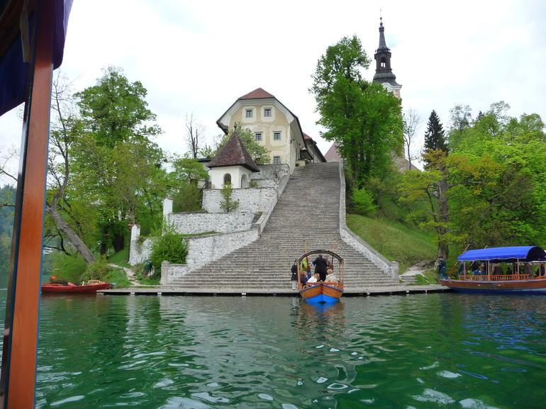 Arriving at the island. - Ljubljana