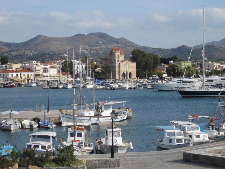 Aegina port - Athens