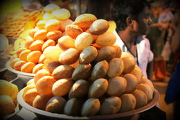 Another food stall along Delhi - December 2012