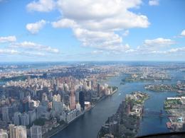 Flying over the Hudson River above Manhattan., Pamela D - September 2008