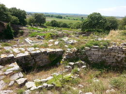 this shows the different levels of Troy as well as the lush countryside , Benjamin - May 2014