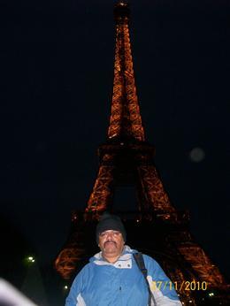 Wow!! Eiffel tower is majestic!! , Ganesh Shankar M - December 2010