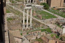 incroyable, au milieu de cette ville éternelle, l'histoire des vestiges... , Michel P - April 2016