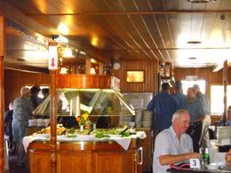 We enjoyable a wonderful buffet lunch. - April 2009