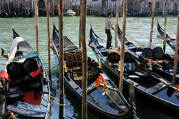 Preparing the gondolas for the tour , Saysha - April 2012