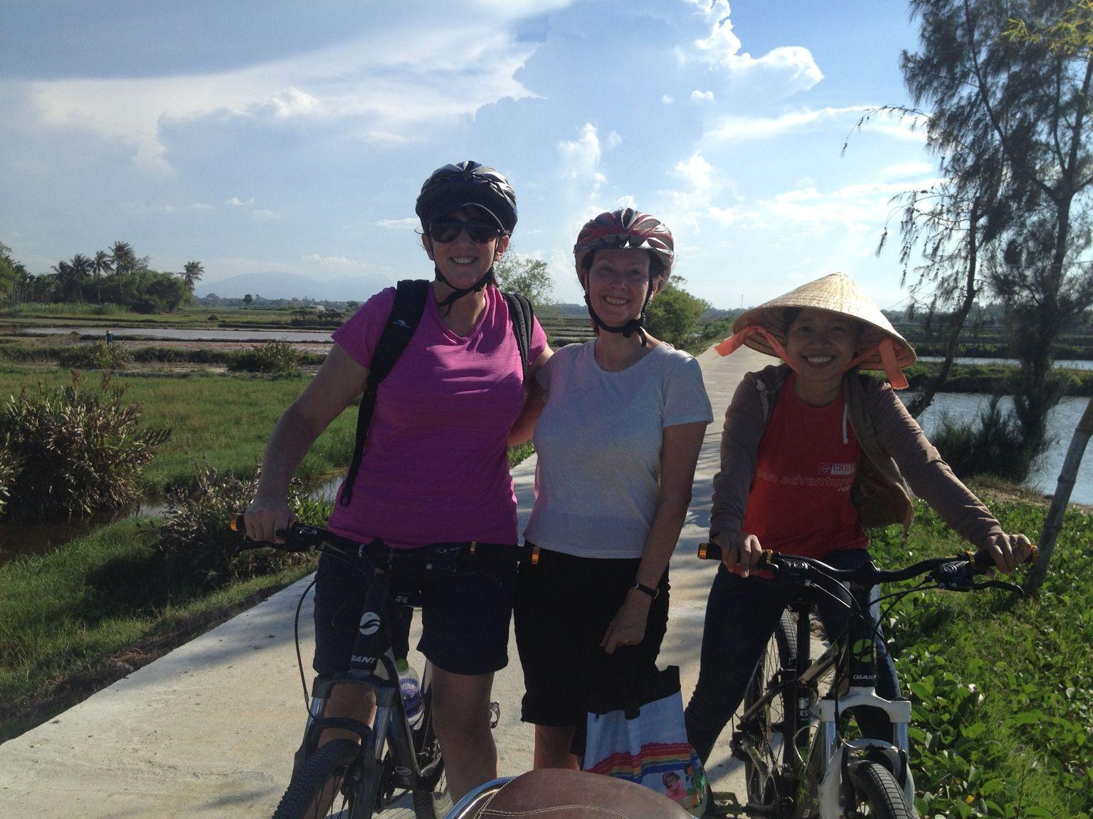 MÁS FOTOS, Hoi An Countryside Bike Tour Including Thu Bon River Cruise