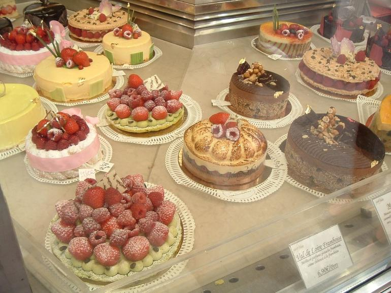 Showcase of pastry - Paris - Paris