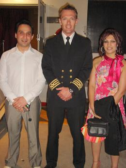 After the trip we had a picture taken with the Captain., Bekes M - October 2009