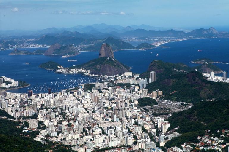vue-panoramique-depuis-l-helicoptere-rio-janeiro