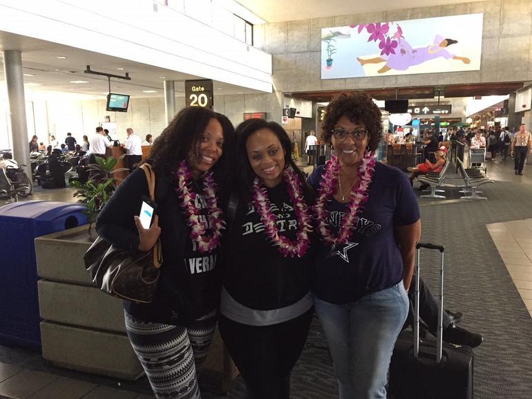 Traditional Airport Lei Greeting on Honolulu Oahu