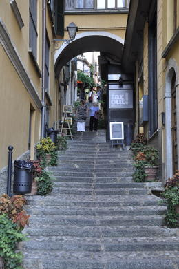 Belaggio is full of stairways that lead up to shops. , Barbara A - September 2013