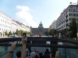 De eerste 45 minuten van de tour met een open bus door Praag. , RJ S - September 2014