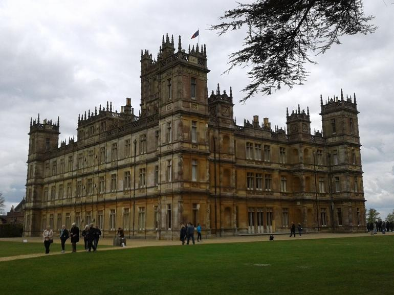 Visite de downton abbey et du ch teau de highclere au d part de londres rai - Chateau downton abbey ...