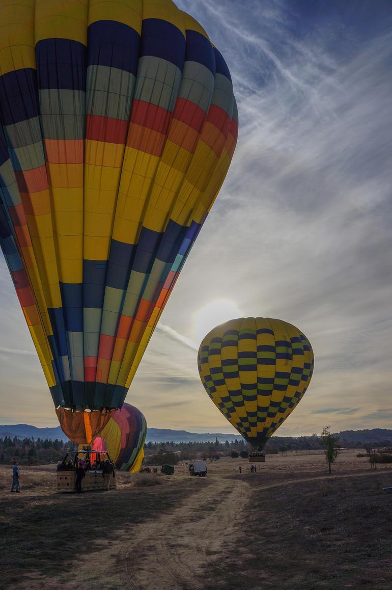 balloons landing - Napa & Sonoma