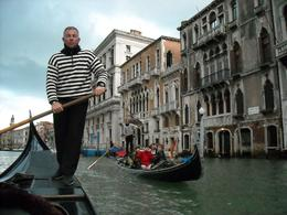 Gondoliers on the grand canal. Serenaded gondola ride. - May 2009