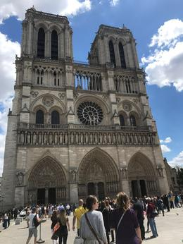 Marie and I talking about the architecture of Notre Dame , jkearns - June 2017