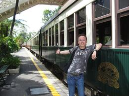 After sightseeing of Railway station, then we take Skyrail to go back., Edmond Leung - January 2009