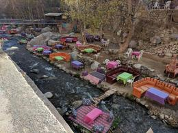 Relaxing tables by the river side in Ourika Valley. Very colourful. , drogeanuflorentin - January 2018
