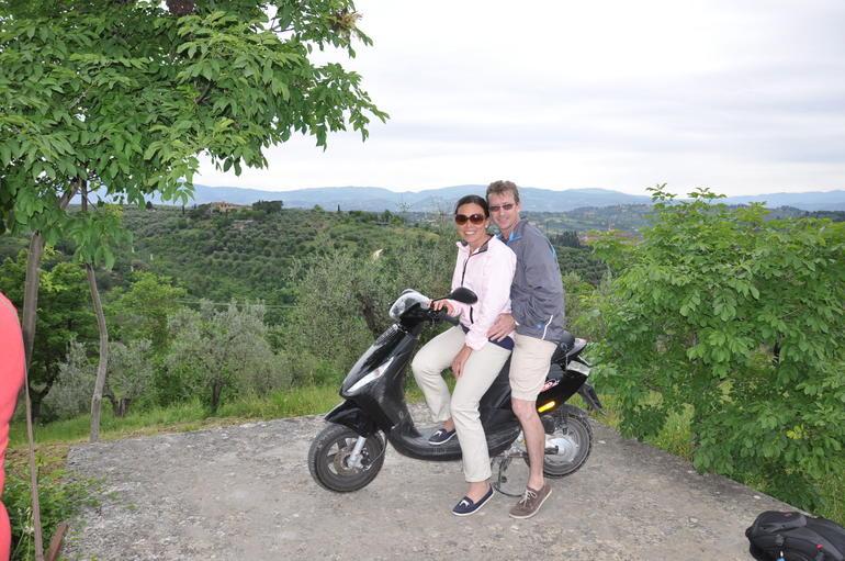 VESPA CHIANTI WINE REGION TOUR - Florence