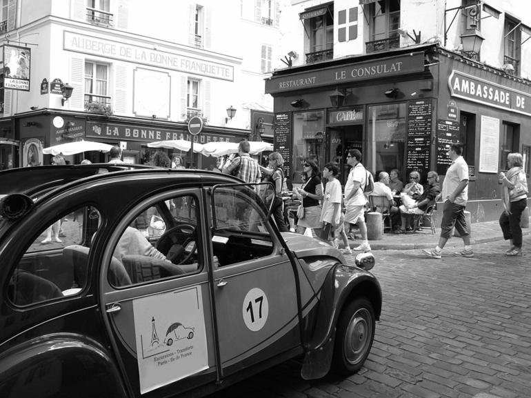 Private Citroen 2CV Tour - Paris