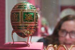 Examining a Fabergé egg, Sherry O - December 2015