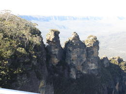 The 3 sisters at Echo Point , James Fong - August 2013