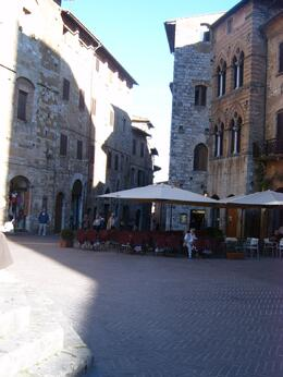 Square in San Gimignano, Carmela M - October 2007