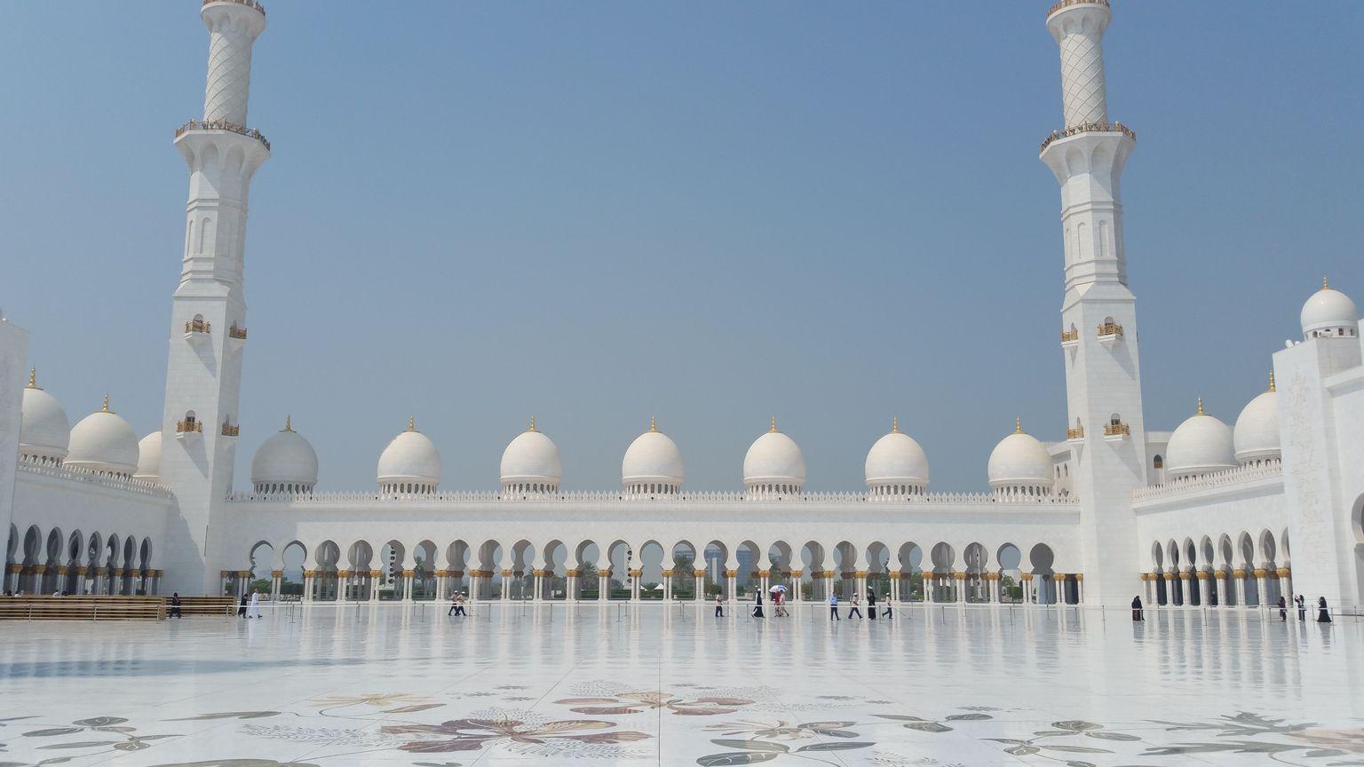 MAIS FOTOS, Excursão Panorâmica em Abu Dhabi com Big Bus incluindo Yas Island e Sky Tower