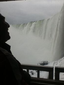 Overlooking the falls , mamashake - January 2013