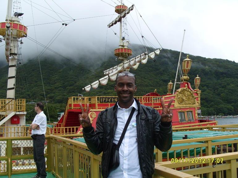 Lake Ashi Pirate Boat Tour - Tokyo