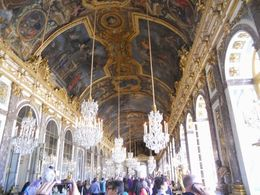 The size of the main palace is unbelievable! , STEFANIE S - June 2015