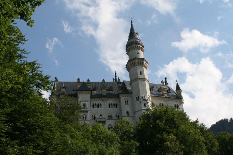 Royal Castles of Neuschwanstein and Linderhof Day Tour from Munich - Munich