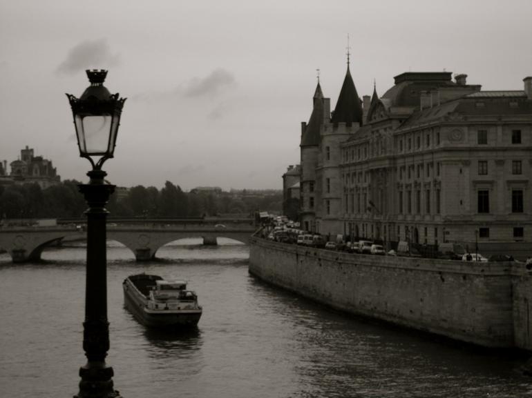 Sigh! Paris - Paris