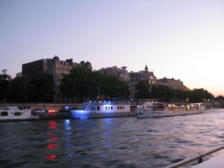 The River Cruise - Paris