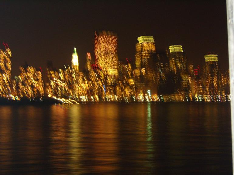 This is how you imagine the Manhattan sky line at Night - New York City