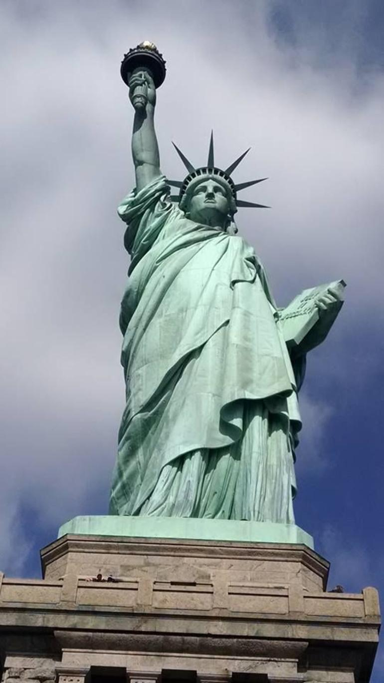 Statue of Liberty and Ellis Island Tour photo 12