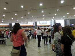 Non ce n'est pas un hall d'aéroport, mais l'entrée du Vatican!!! , jean-paul r - June 2015