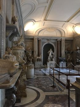 So much to see in the Vatican Museum , Isabel E - January 2016