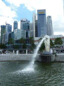 The popular Singapore landmark - February 2013