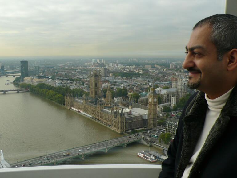 Mo in London - London
