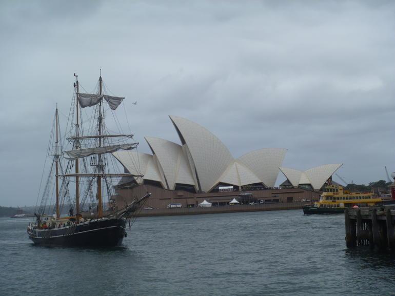 The ship - Sydney