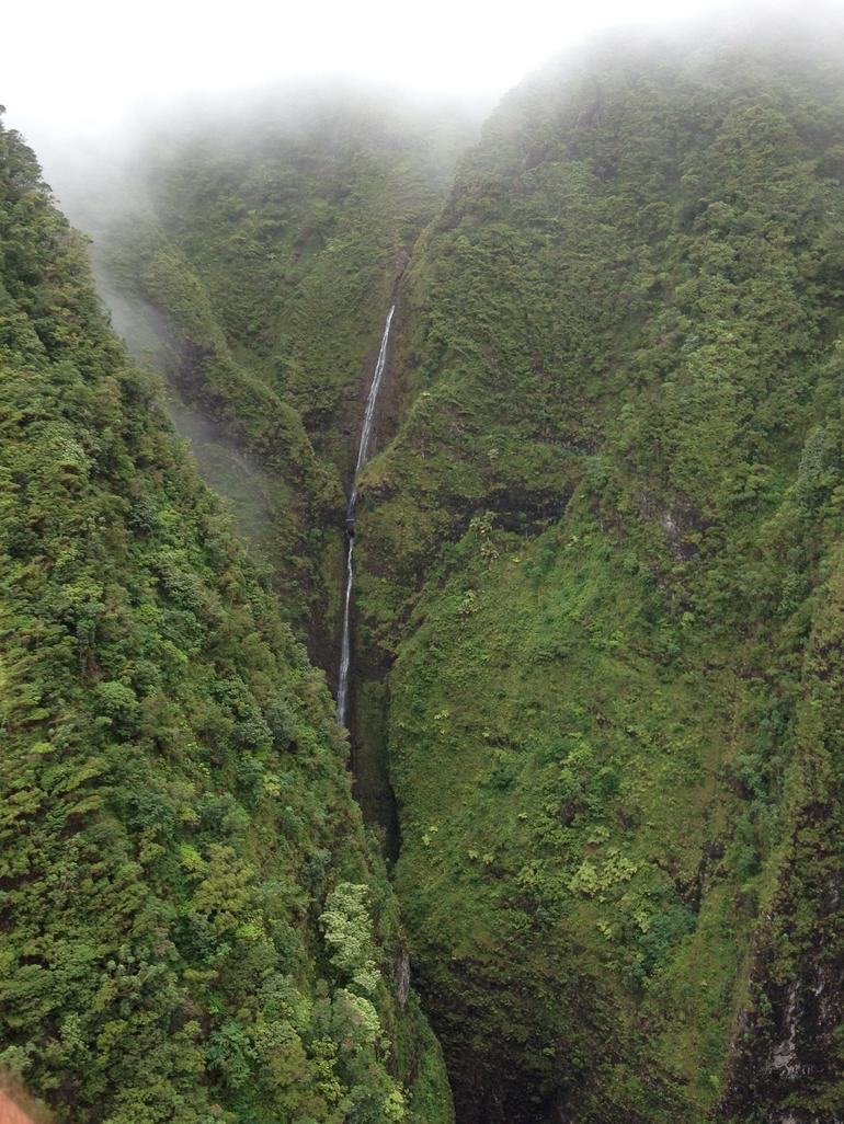 Hidden waterfalls - Oahu