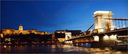 Det är Budapest i bilden då hon är som vackrast,,, , Kari L - June 2014