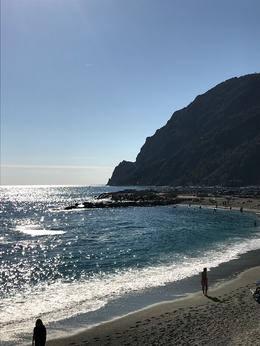 The view while waiting for our train in Monterosso. , merwithani - October 2017