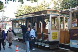 Einzigartiges Erlebnis ist sicher die Fahrt im Cable Car durch die Straßen von San Fransisco! , Birgit D - December 2014