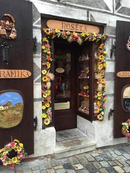 This doorway was nicely decorated. , Mary W - October 2016