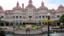 Disneyland Entrance , kyzza01 - June 2012