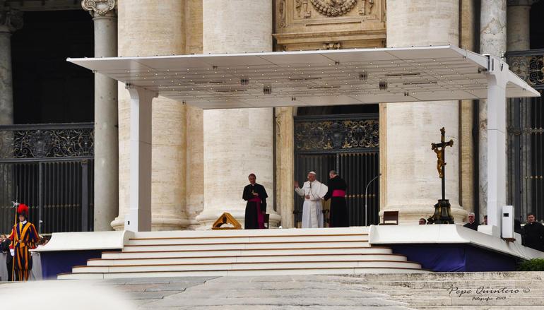 Nos bendijo con la gracia de Dios - Rome