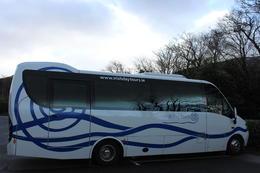 C'est avec ce bus que nous avons traversé l'Irlande, mais au vu des routes dans le Connemara, il vaut mieux avoir un bus de ce type ;-) , titou34110 - March 2014